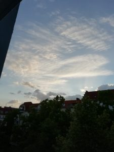 ベルリン早朝6時の空より